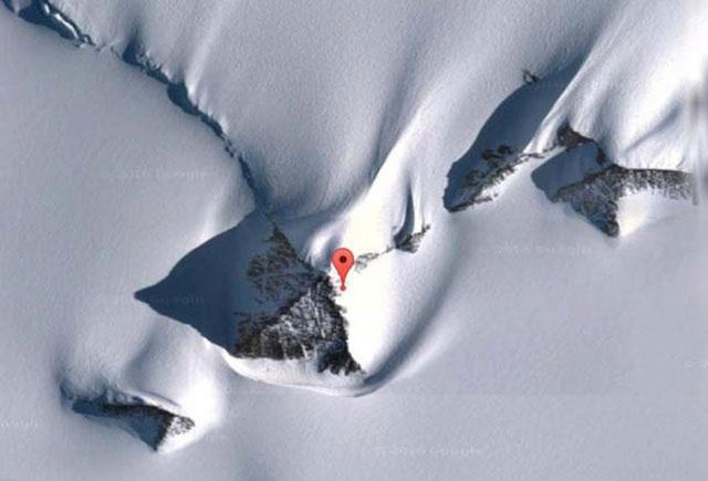 Hình ảnh Kim tự tháp bí ẩn ở Nam Cực.