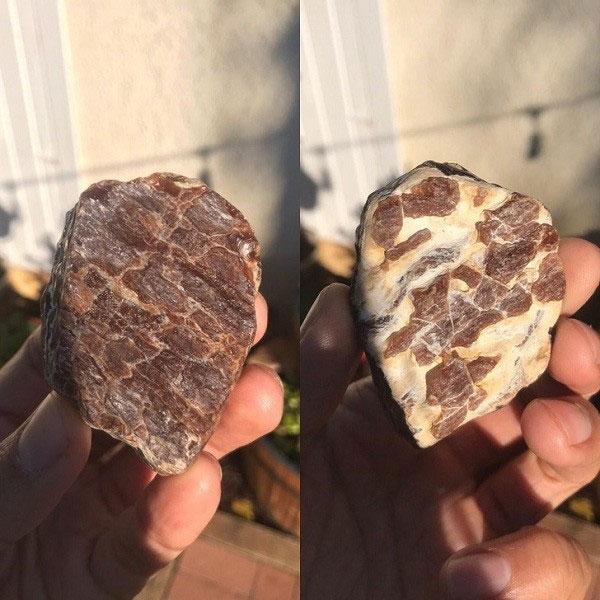 Thiên nhiên đã ''lừa'' con người ngoạn mục đến nỗi ''đẻ ra'' hòn đá nhỏ trông như một miếng thỉ mỡ này.