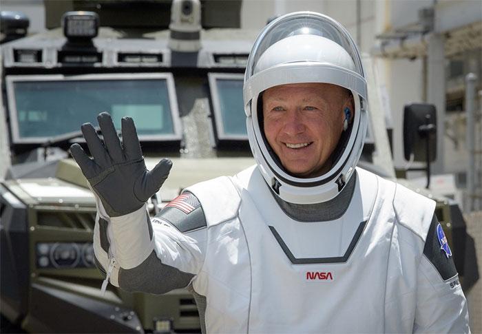 Elon Musk cho biết đã dành 3-4 năm nghiên cứu và thiết kế bộ quần áo