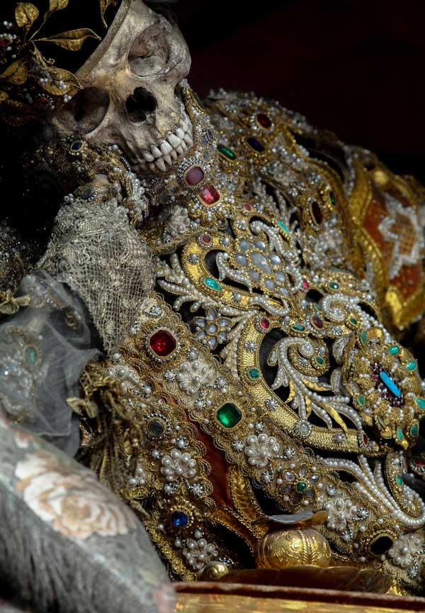 Bộ xương của Thánh Valentinus.