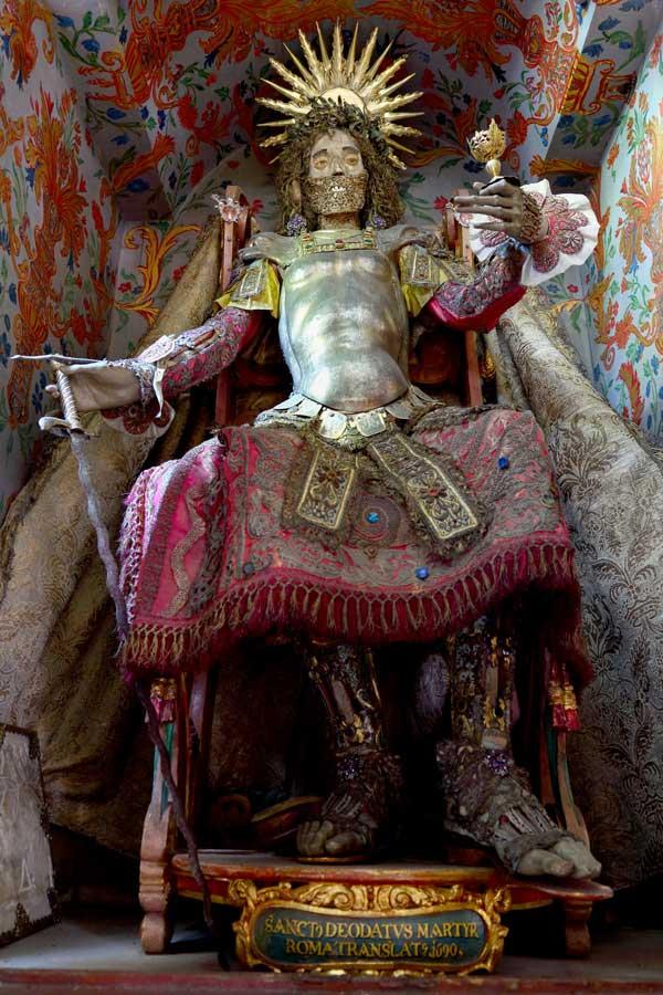 Bộ xương của Thánh Deodatus.