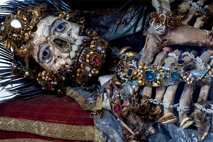 Bộ xương của Thánh Albertus.