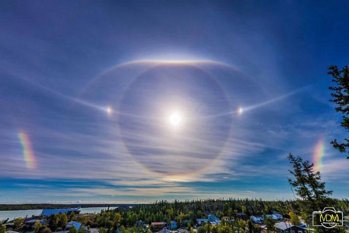 Hào quang mặt trời rực rỡ tại Yellowknife, Northwest Territories, Canada, tháng 9-2018