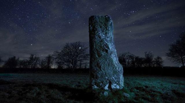 Lăng mộ Newgrange (Thái ấp Mới).