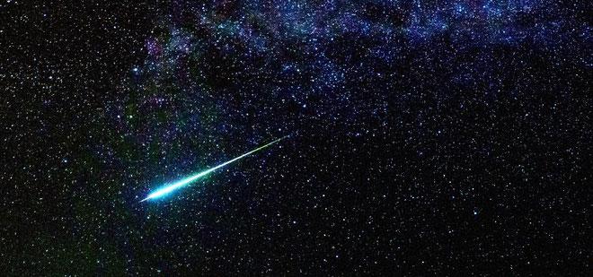 Halley là sao chổi duy nhất có thể nhìn thấy 2 lần trong đời người.