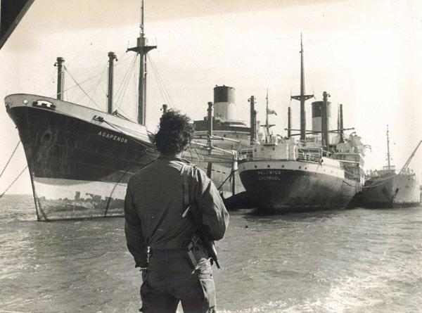 Kẹt xe khủng khiếp nhất: Kênh Suez, 8 năm, 3 tháng, 5 ngày