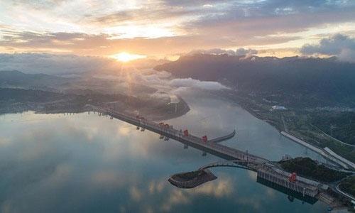 Trung Quốc đã huy động 510.000 tấn thép để xây dựng con đập khổng lồ này