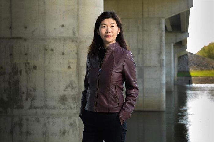 Giáo sư Luna Lu