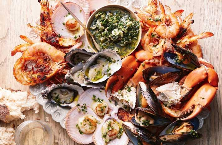 Các loại hải sản đã nấu chín cũng nên ăn sớm sau khi chế biến.