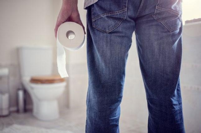 Nam giới thực sự dành nhiều thời gian trong nhà vệ sinh hơn nữ giới.
