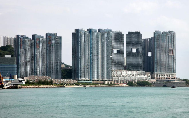 Những lỗ hổng thường thấy ở những tòa nhà cao tầng tại Hong Kong.