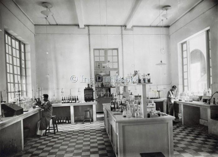 Phòng thí nghiệm của Viện Pasteur ở Sài Gòn vào năm 1926.