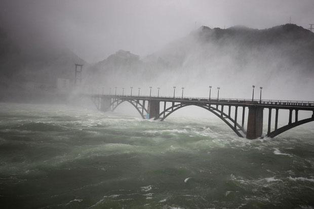 Đây là lần đầu tiên trong lịch sử đập thủy điện Tân An Giang mở toàn bộ 9 cổng xả.
