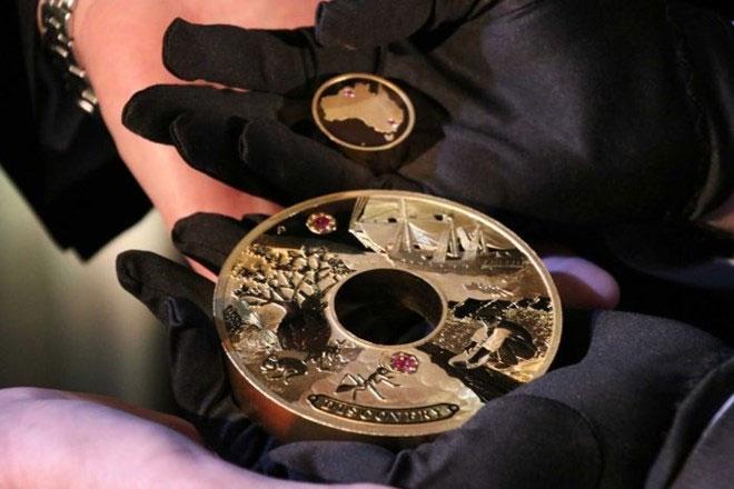 Đồng tiền vàng Discovery.
