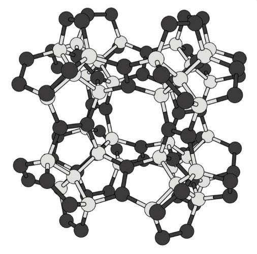 Mô hình cấu tạo của kim cương ngũ giác.