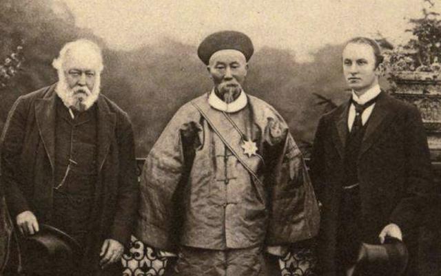 Cho đến những năm 1950, ngôi mộ của Lý Hồng Chương đã vô tình được phát hiện bởi một nông dân địa phương.