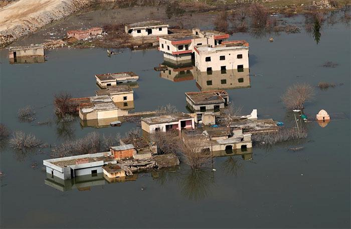 Thung lũng Hasankeyf với những ngôi làng cổ đã bị nước sông Tigris nhấn chìm.