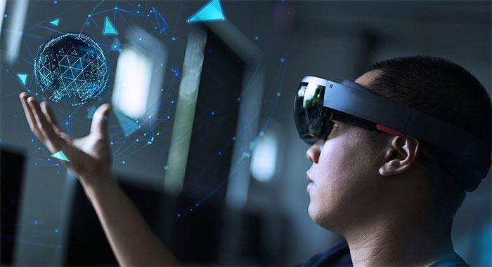 Thực tế tăng cường/Thực tế ảo (AR/VR)