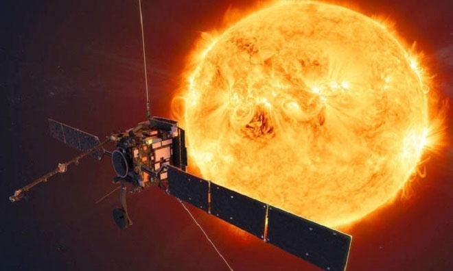 Mô phỏng tàu Solar Orbiter bay gần Mặt trời.