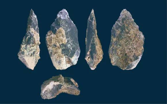 Các công cụ vừa được khai quật