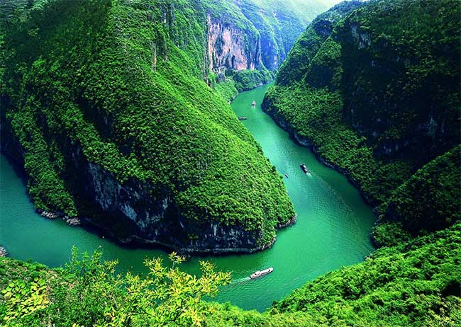 Sông Dương Tử có chiều dài khoảng 6.380km, chảy ra biển Hoa Đông