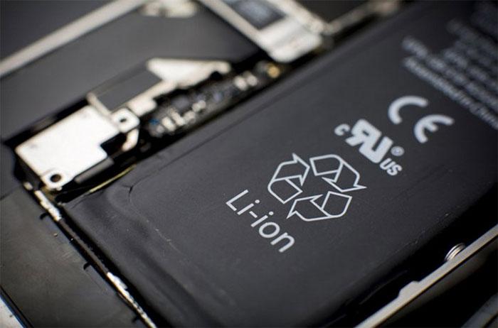 Dung lượng pin lithium-ion giảm theo chu kỳ sạc và thậm chí có thể tự xả khi không sử dụng tới