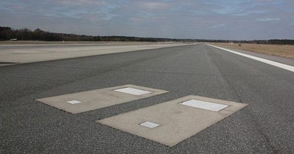 """Hai """"ngôi nhà"""" kì lạ trên sân bay quốc tế Savannah"""