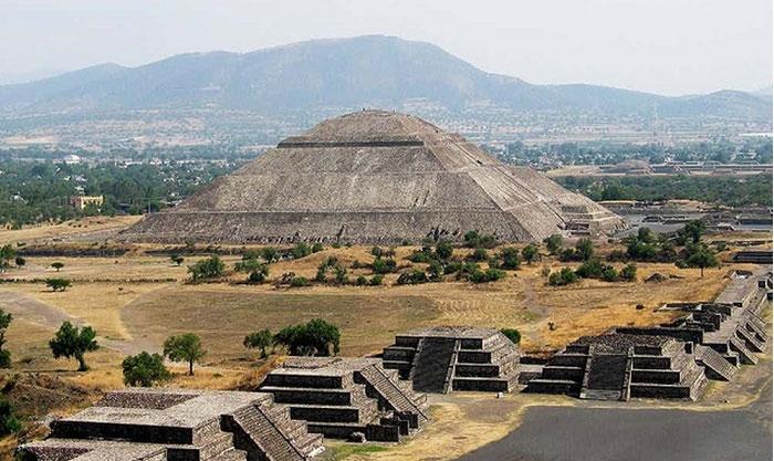 Đại kim tự tháp Cholula đã được ghi vào Kỷ lục Guinness là kim tự tháp lớn nhất thế giới.