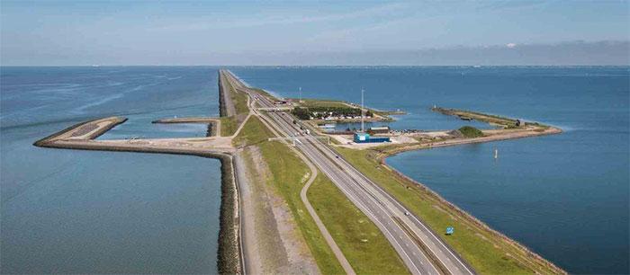 Lịch sử 2000 năm của Hà Lan là 2000 năm đấu tranh với biển, với nước.
