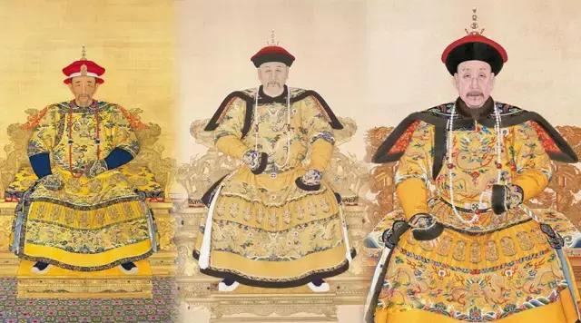 Long bào màu vàng thời nhà Thanh