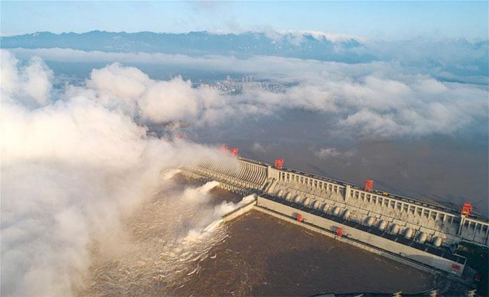 Hôm 27/7, Đập Tam Hiệp tại tỉnh Hồ Bắc tiếp tục mở các cửa xả nước.