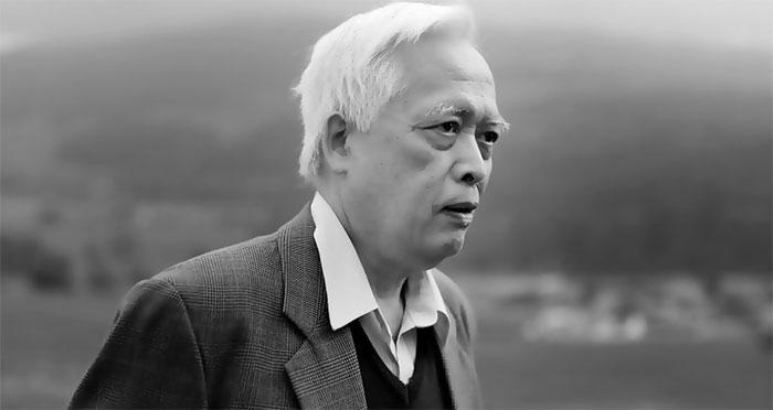 Giáo sư Trịnh Xuân Thuận còn là nhà văn với nhiều cuốn sách bàn về vũ trụ học và tôn giáo.