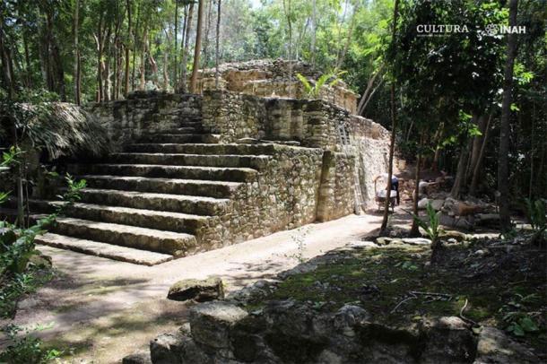 Một trong các kiến trúc đặc biệt của người Maya còn tồn tại trong rừng rậm ở bán đảo Yucatán