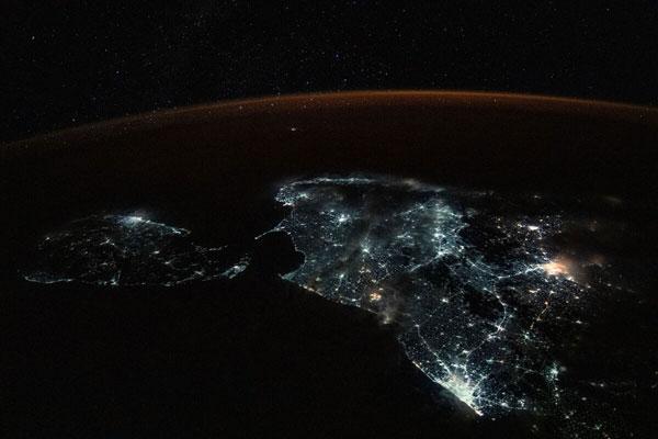 Ánh đèn nhân tạo ở Sri Lanka và cực nam Ấn Độ lấn át ánh sao trong ảnh chụp