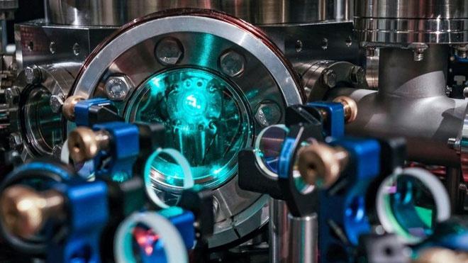 Máy tính lượng tử đang ở giai đoạn phát triển với nhiều hứa hẹn về lợi ích.