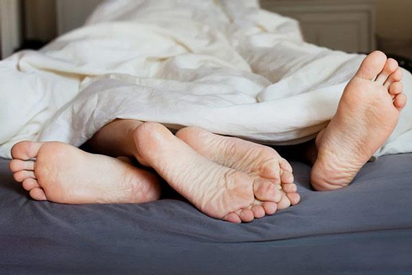 """Có rất nhiều yếu tố khác trong """"cuộc yêu"""" ảnh hưởng tới thời gian quan hệ"""