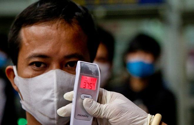 Sàng lọc người nhiễm SARS-CoV-2 bằng cách đo thân nhiệt không phải là biện pháp hiệu quả