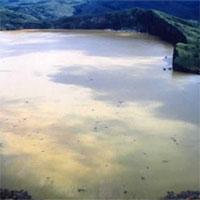 Vén màn bí mật hồ nước tử thần tại Châu Phi