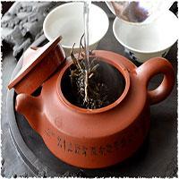 Tráng trà là gì? Những điều bạn nên biết về tác dụng của tráng trà