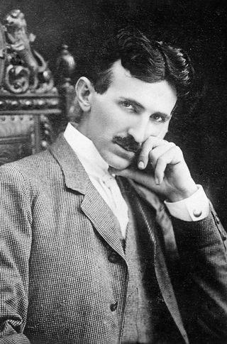 Nikola Tesla, ảnh chụp năm 1896.