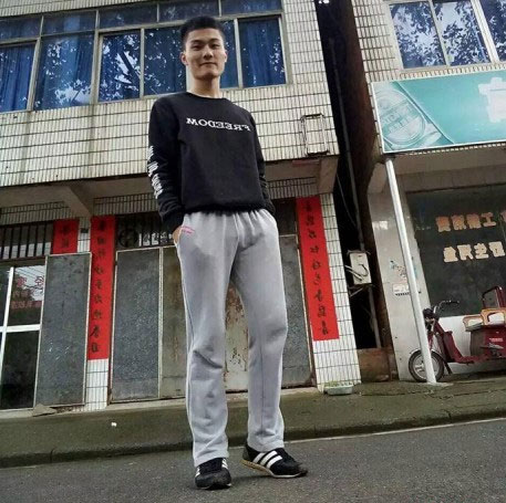 Bạch Thư Hàng, một sinh viên tốt nghiệp chuyên ngành Linh cữu và Mai táng