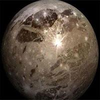 Phát hiện hố va chạm khổng lồ trên vệ tinh sao Mộc