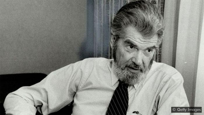 """Ông Laurence J Peter, tác giả của """"Nguyên tắc Peter""""."""