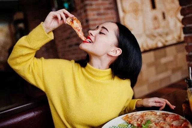 Xu hướng tăng cân cũng không hẳn do thiếu sự tự kiểm soát.