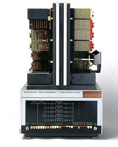 Máy tính DEC-DPD-8