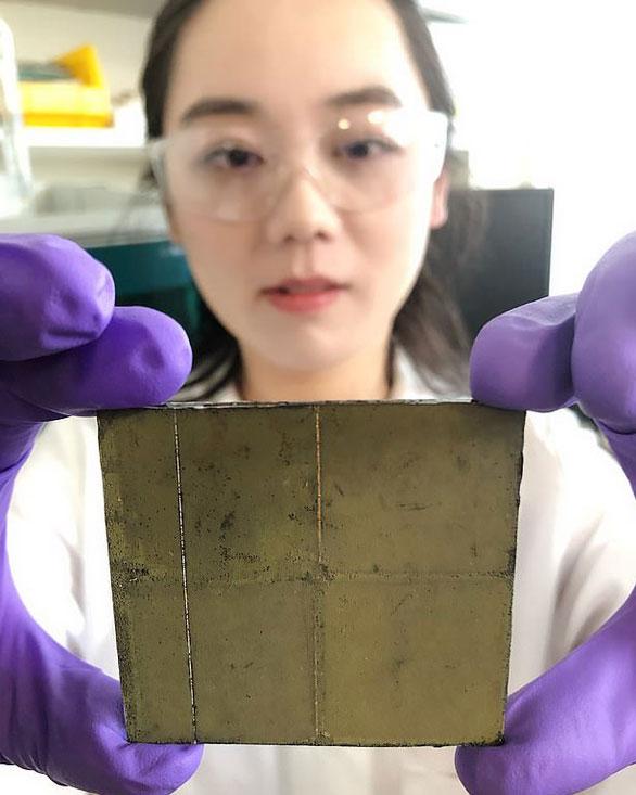 Tấm xúc tác quang không dây được tạo thành từ bột bán dẫn