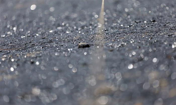 Lớp nhựa polymer được phủ lên bề mặt cầu sẽ đảm bảo các yêu cầu về độ êm và giảm tiếng ồn.