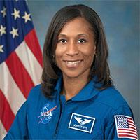 NASA chọn nữ phi hành gia da màu đầu tiên lên Trạm vũ trụ
