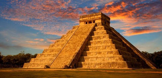 Kim tự tháp này hiện vẫn tồn tại ở Mexico.