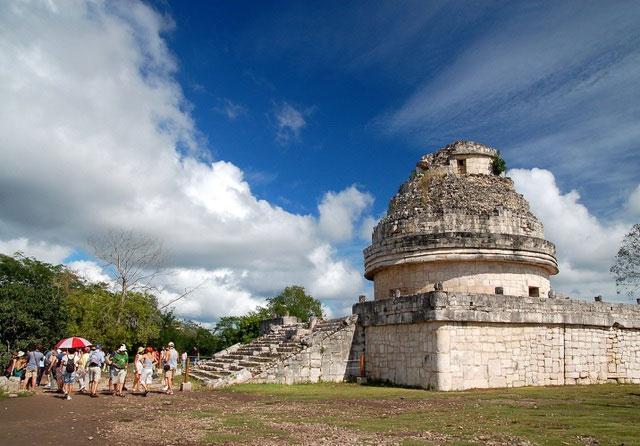 Chichen Itza, địa điểm khảo cổ sở hữu nhiều kỳ quan kiến trúc và văn hóa.